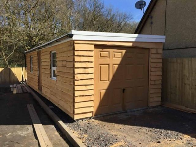 64/64 Garage Cedar Waney Edge by CO2 Timber